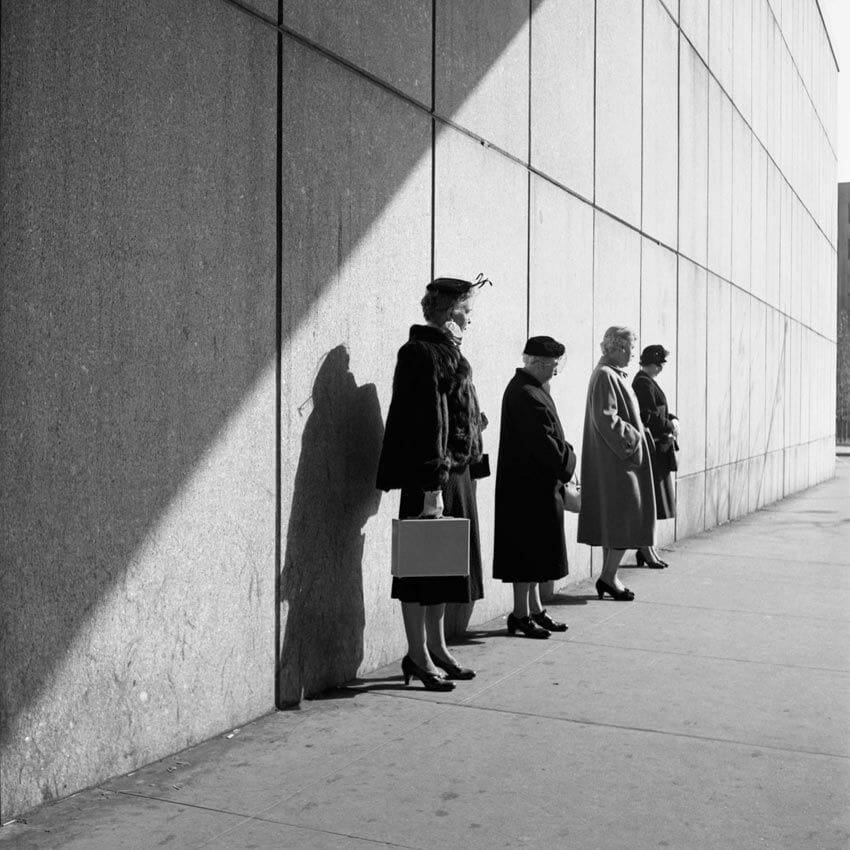 femme qui attendent