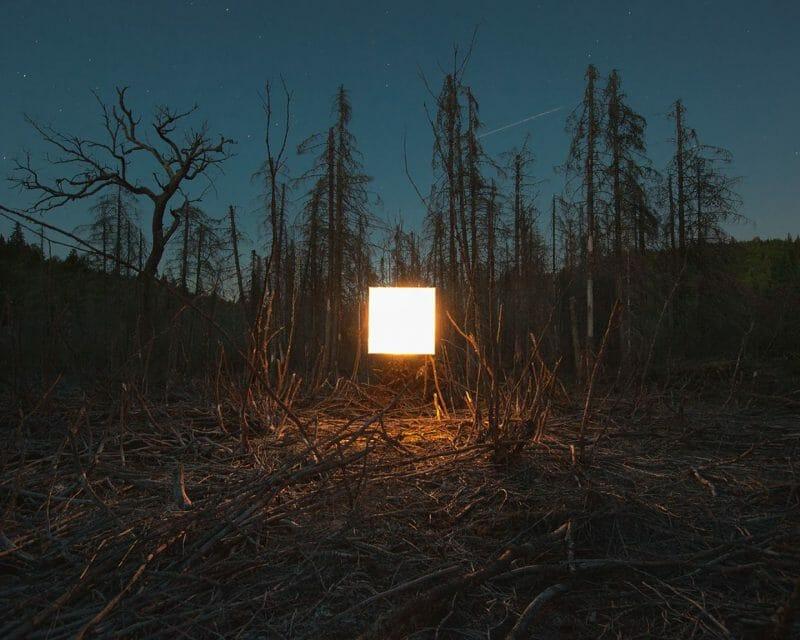 Carré de lumière dans la nature