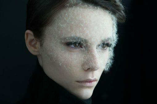 La photographe Isabelle Chapuis collabore avec le plasticien végétal Duy Anh Nhan Duc pour un résultat léger et onirique 2