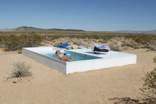 Alfredo Barsuglia t'invite à la baignade au cœur du désert californien 23