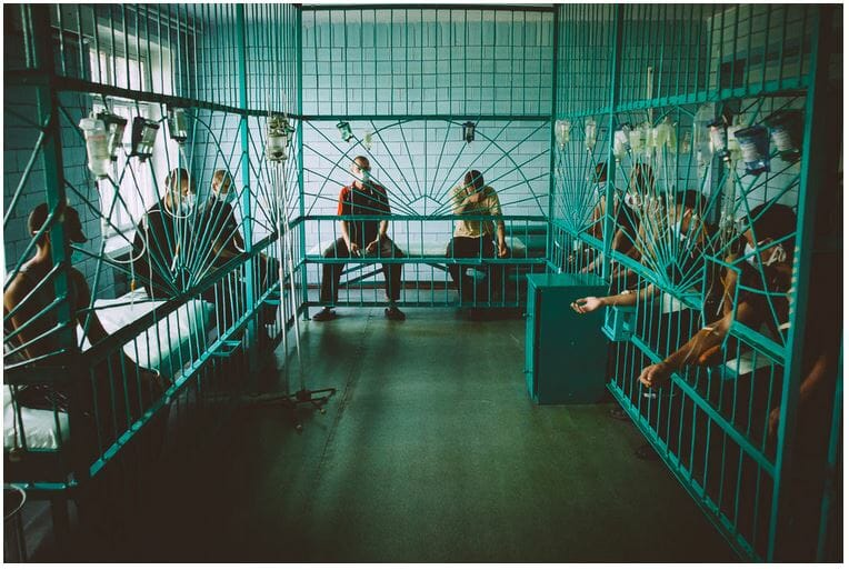 prisoners in treatment room