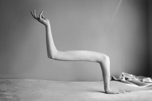 Les corps surréalistes d'Ángela Burón 1