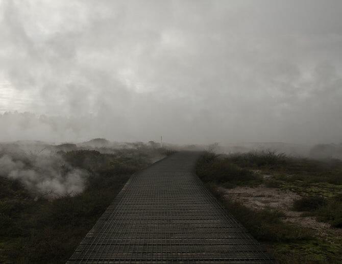 Dans l'univers minimaliste et mystérieux de Jacob Howard