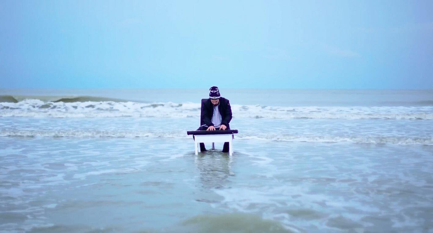 """Crayon et Gracy Hopkins offrent un clip poétique - aquatique à """"Ocean 7 part II"""" 1"""