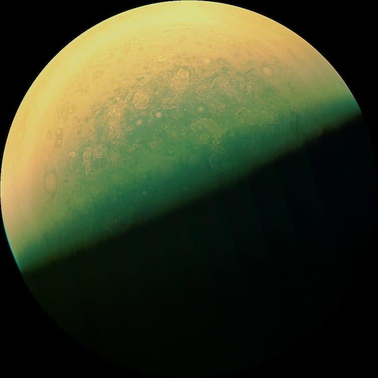La sonde Juno nous offres des images époustouflantes de Jupiter 5