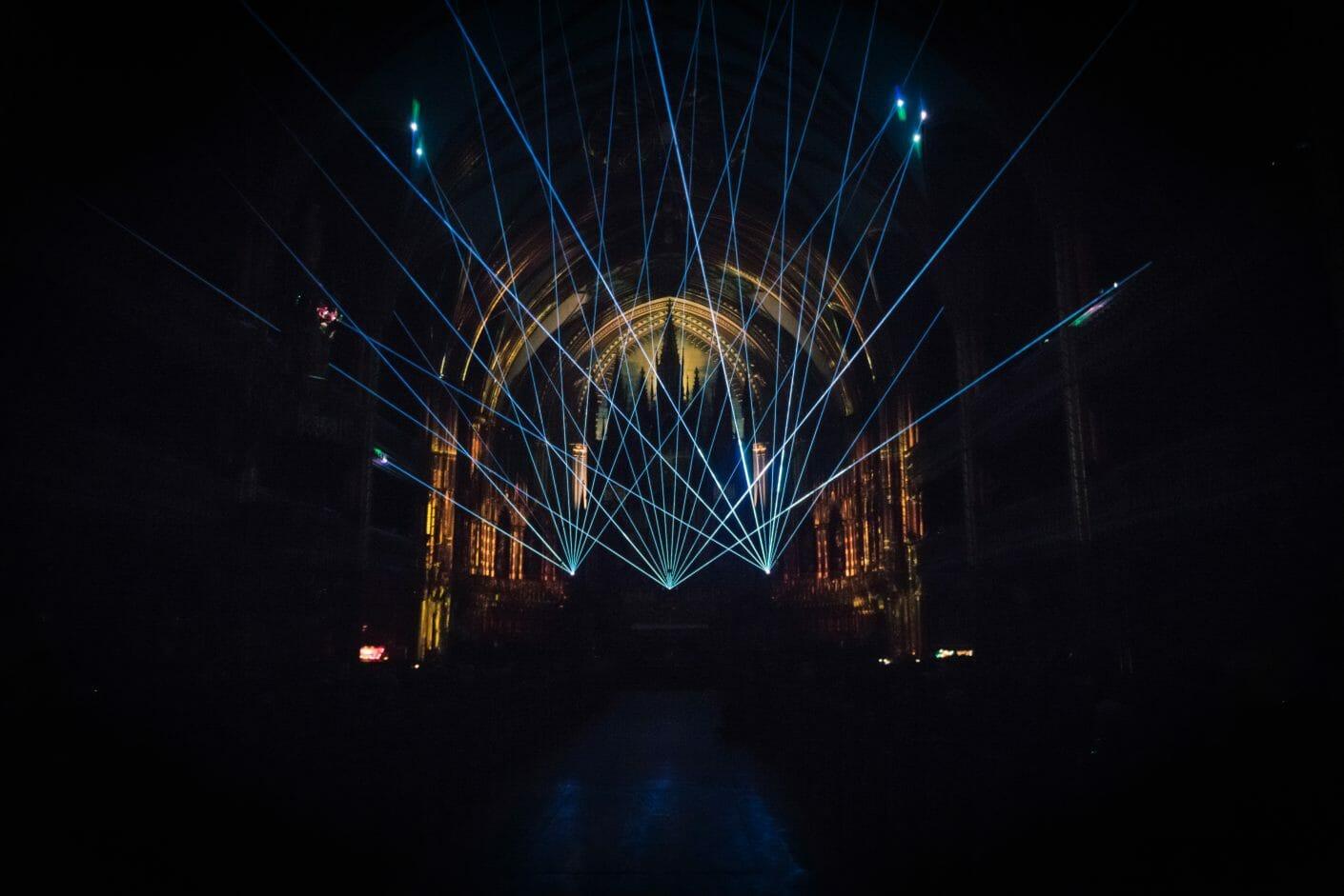 AURA : le spectacle immersif qui donne vie à la basilique Notre-Dame 2