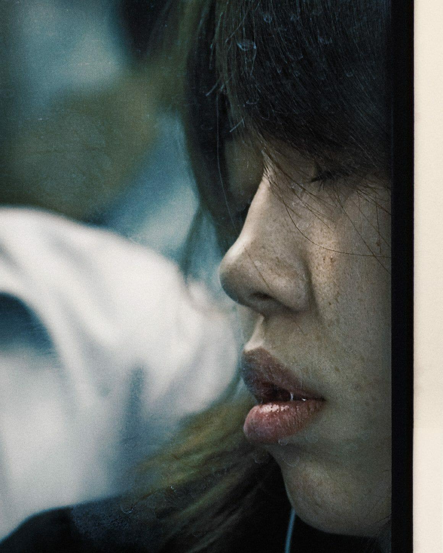 Michael Wolf capture les plaisirs quotidiens du métro Tokyoïte 5