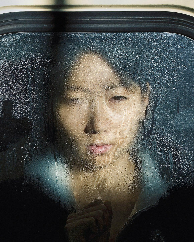 Michael Wolf capture les plaisirs quotidiens du métro Tokyoïte 7