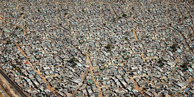 Entre population de masse et individu, voici les photos de Marcus Lyon 11