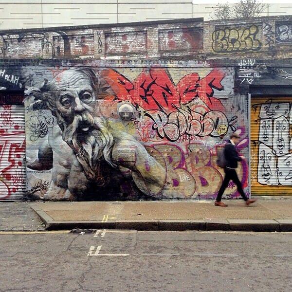 La sublime confrontation entre le classicisme et le graffiti par Pichi & Avo 1