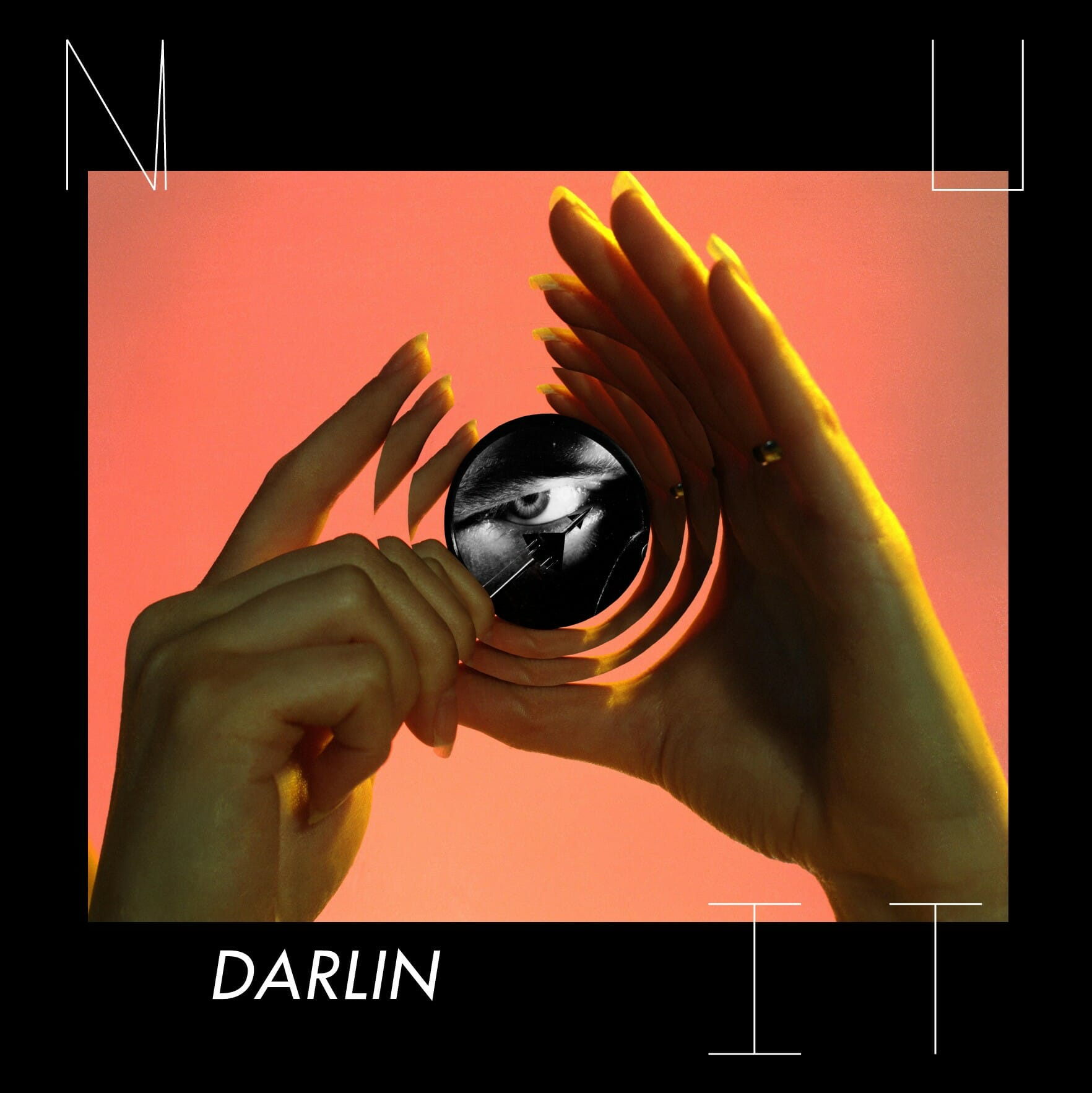 """Des femmes et des chatons : c'est le nouveau clip de NUIT, """"Darlin"""" 1"""
