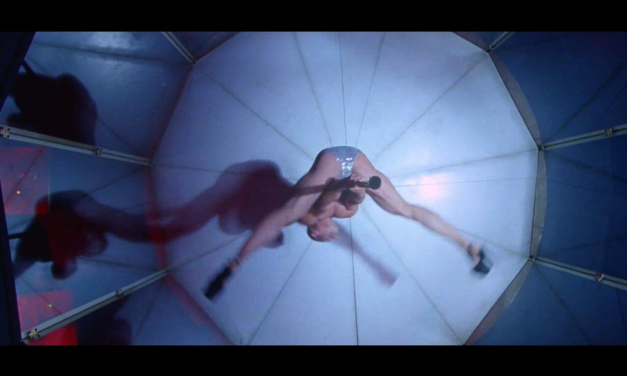 """Justice se la joue Magic Mike dans son dernier clip """"Love S.O.S."""" 1"""