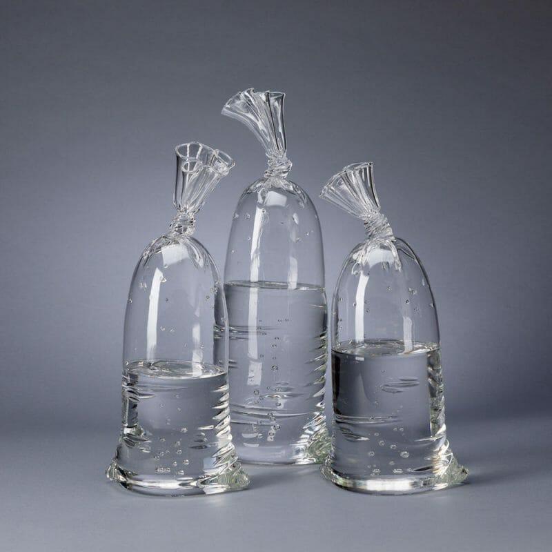Sculptures hyper réalistes de sac d'eau par Dylan Martinez