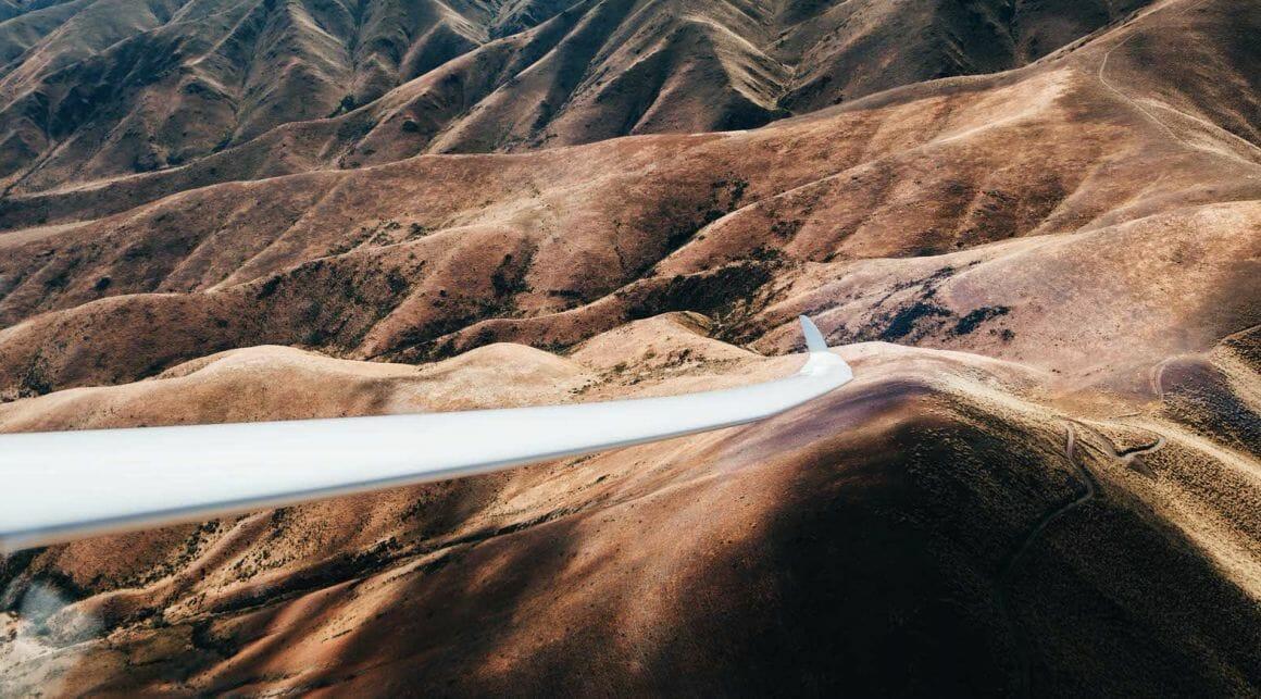 Jesse Echevarria photographie la nouvelle zelande depuis un avions