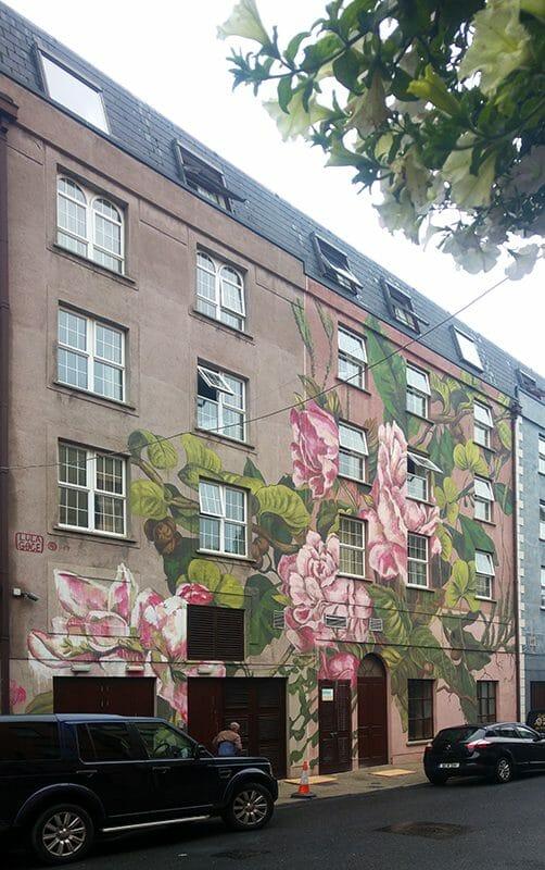 jolie façade peinte par Lula Goce