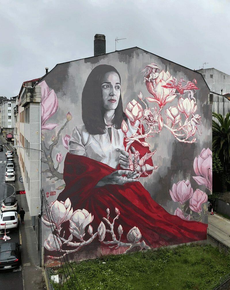 Lula Goce portrait de femme avec des fleurs