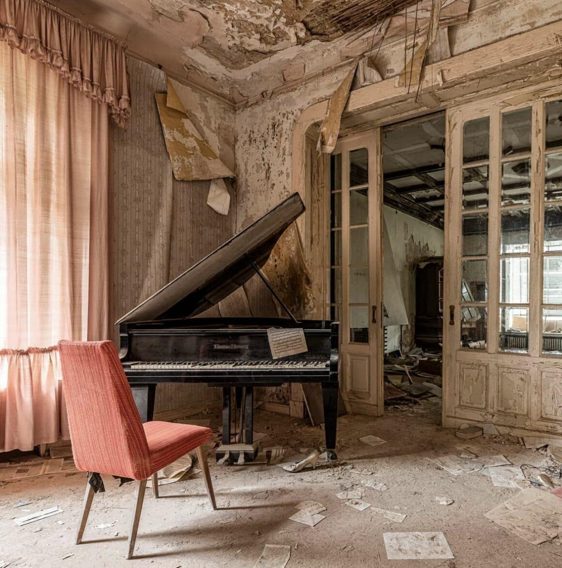 photographie d'un piano prise par revierstrolch