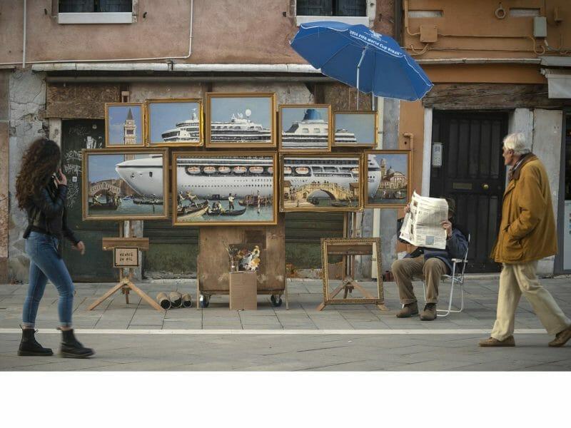 "photo de ""Venice in oil"" prise par Banksy"