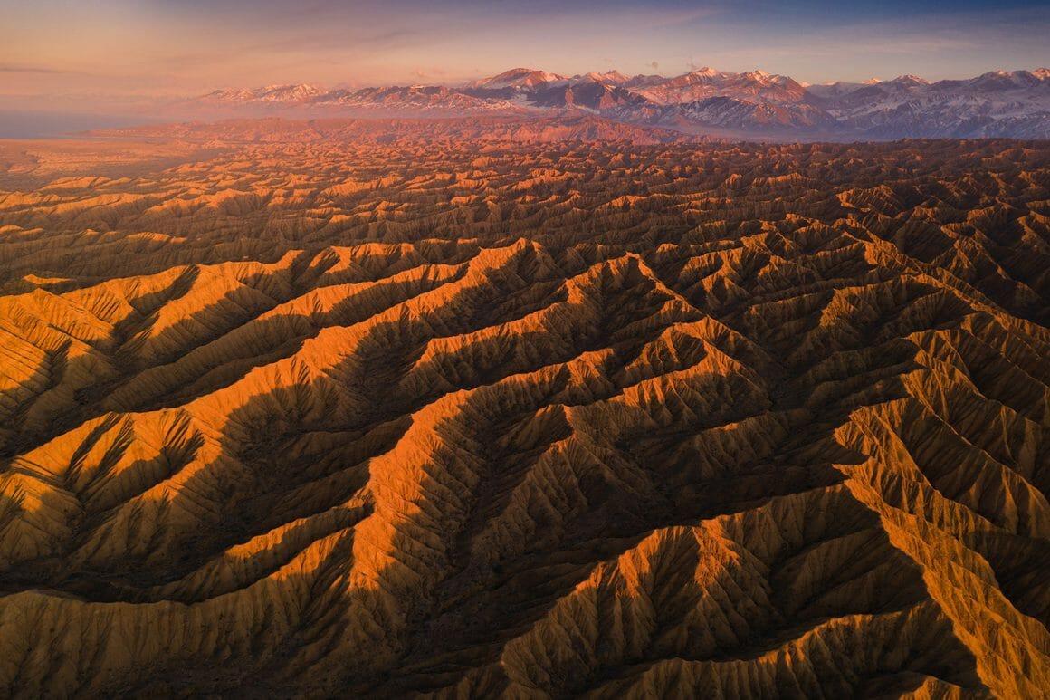 Photo aérienne prise par le photographe Albert Dros pour la série  Canyons du Kyrgyzstan