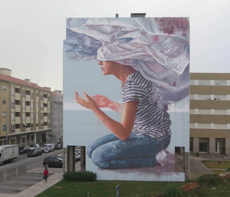 Fintan Magee - head in the clouds