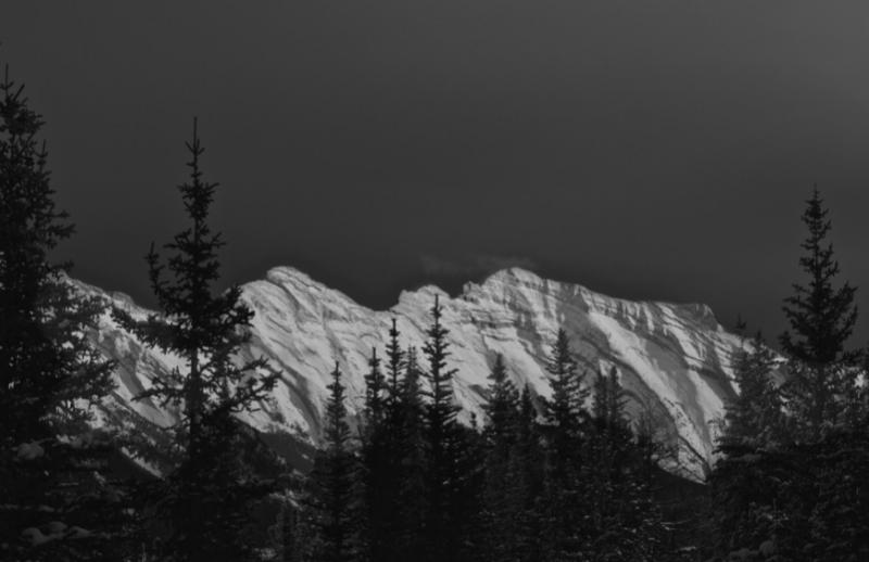 Joshua J. Smith - montagnes noir et blanc