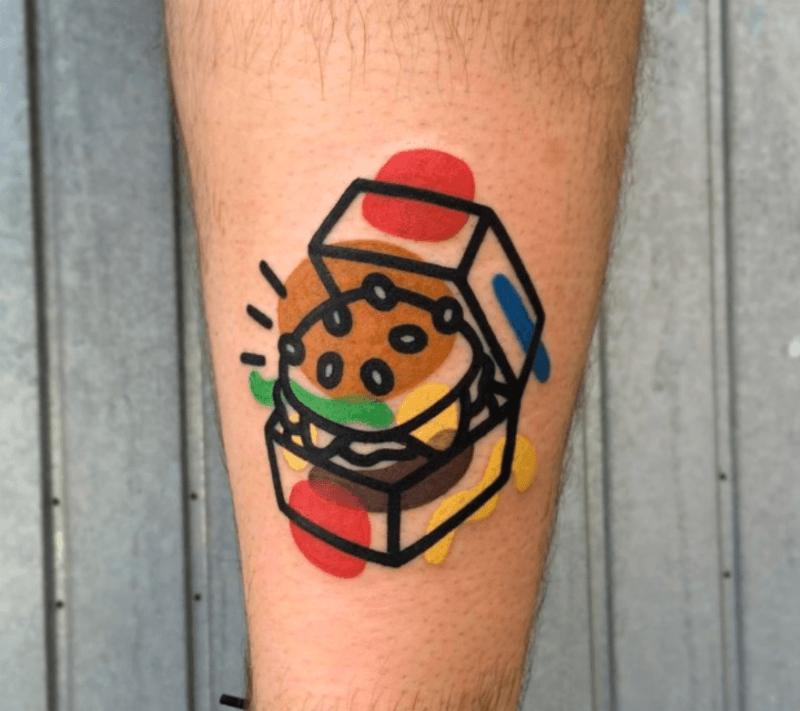 tatouage hamburger par Mattia Mambo