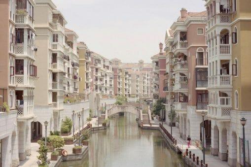 Copycat Towns - Dans l'œil de Cian Oba-Smith