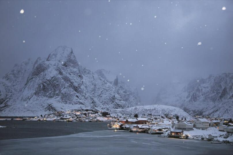 "Christophe Jacrot, photographie issue du livre d'art ""Neiges"", Lofoten, Norvège."