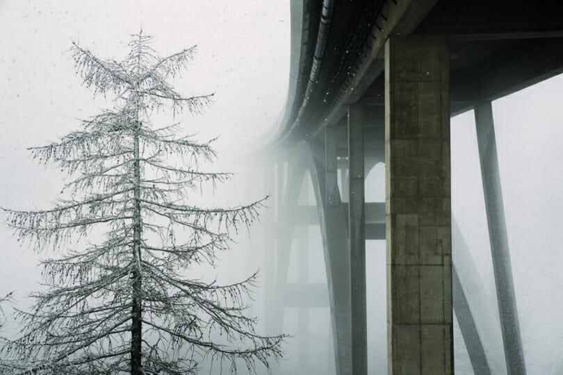 """Christophe Jacrot, photographie issue du livre d'art """"Neiges"""", Suisse."""