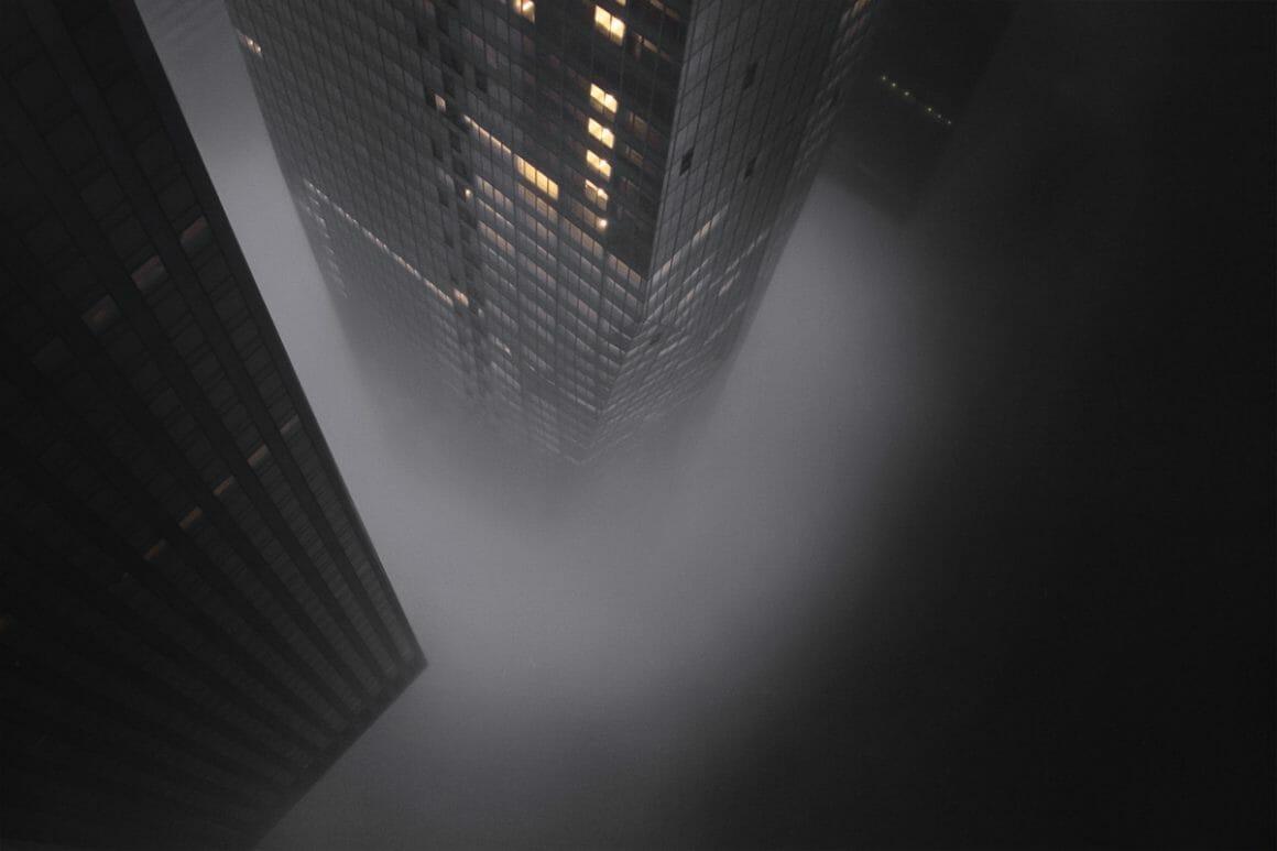 Kristoffer Axén, deux buildings vu d'en bas.