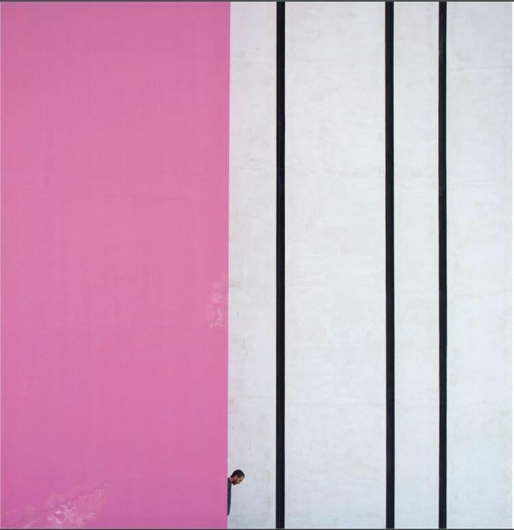 """ Pink and lines "" de Serge Najjar"
