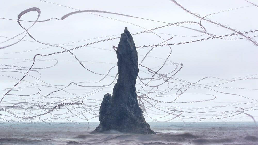 Xavi Bou, ornitographies, vol d'oiseaux autour d'une roche.
