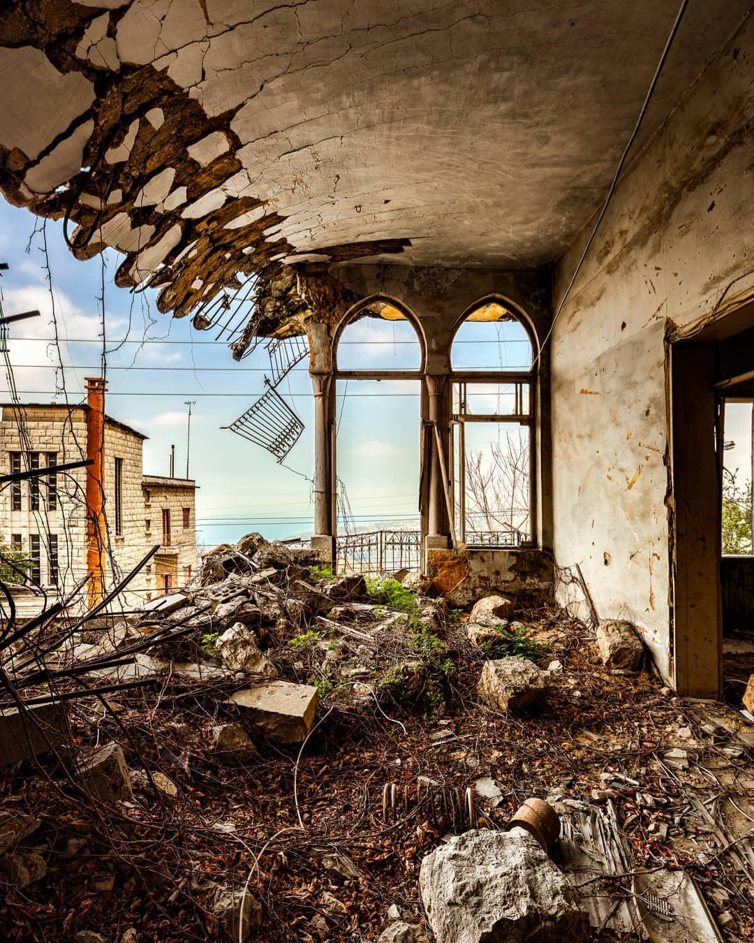 Balcon en ruine