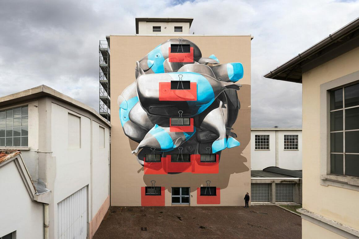 cluster par le duo de street artist NEVERCREW