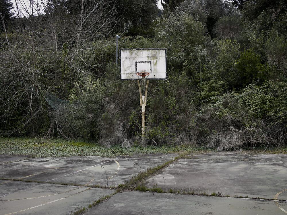 Guillem Vidal lieu abandonné panier basket arceau flore