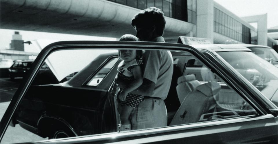 femme bébé voiture nucléaire photo prévention