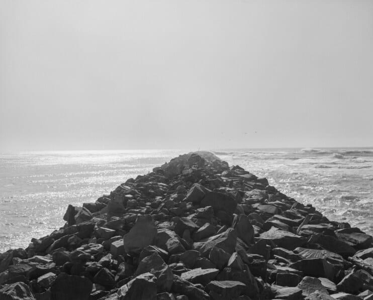 allée rocher eau