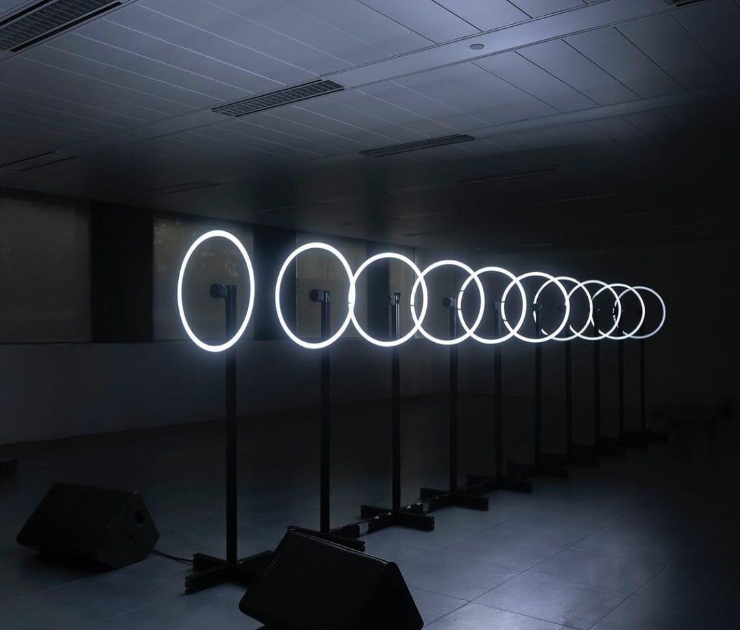 cercle lumière blanche intérieur bureau hélice