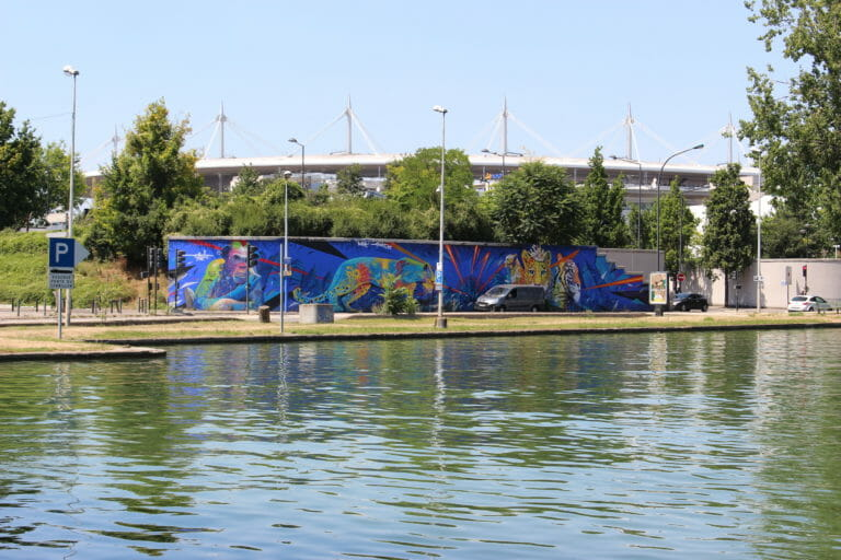fresque gorille bleu éléphant tigres Plaine commune street art eau saint denis