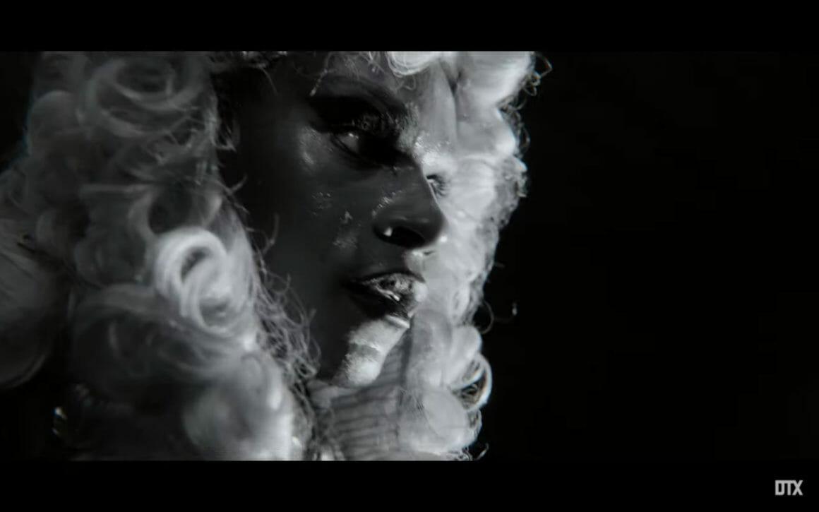 """Lola Herself en juge dans le dernier clip de Moullinex """"Running in the dark"""""""