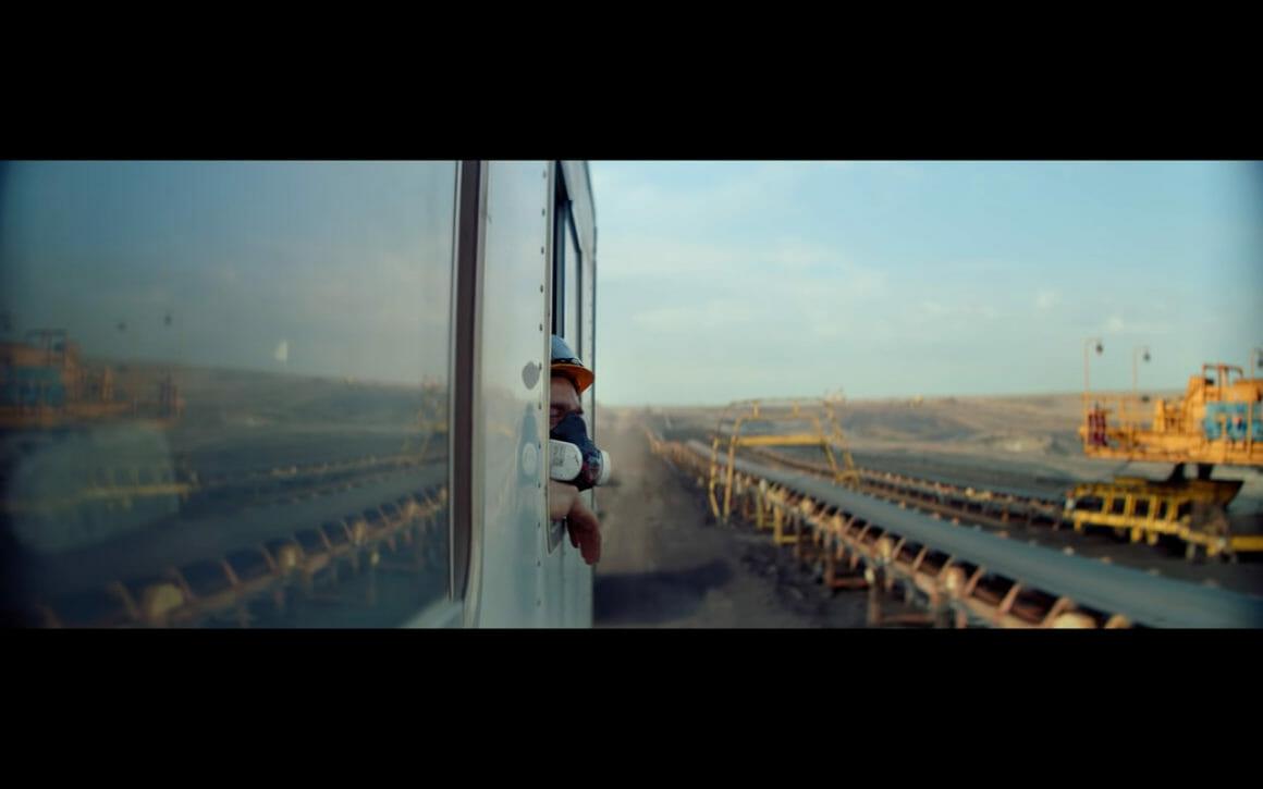 Image du clip Goliath de Woodkid, extrait de son nouvel album S16