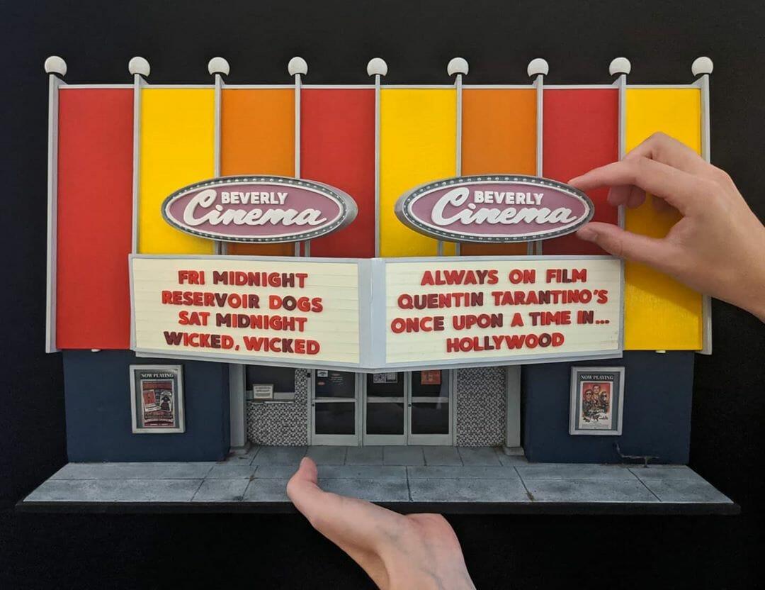 The New Beverly, un cinéma reproduit à l'échelle miniature par Kieran Wright