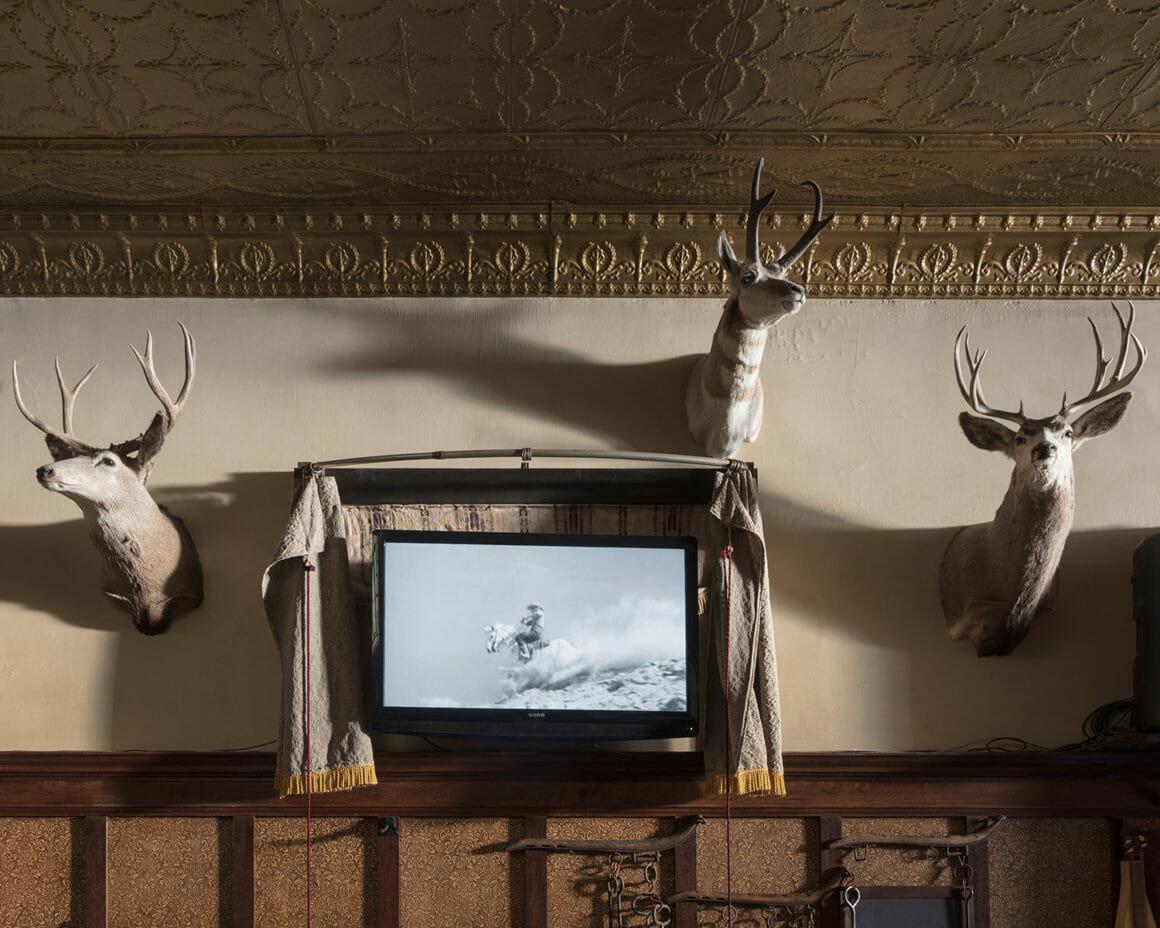 """Man on White Horse"" est un cliché de Jennifer Garza Cuen pour sa série Imag(in)ing America"