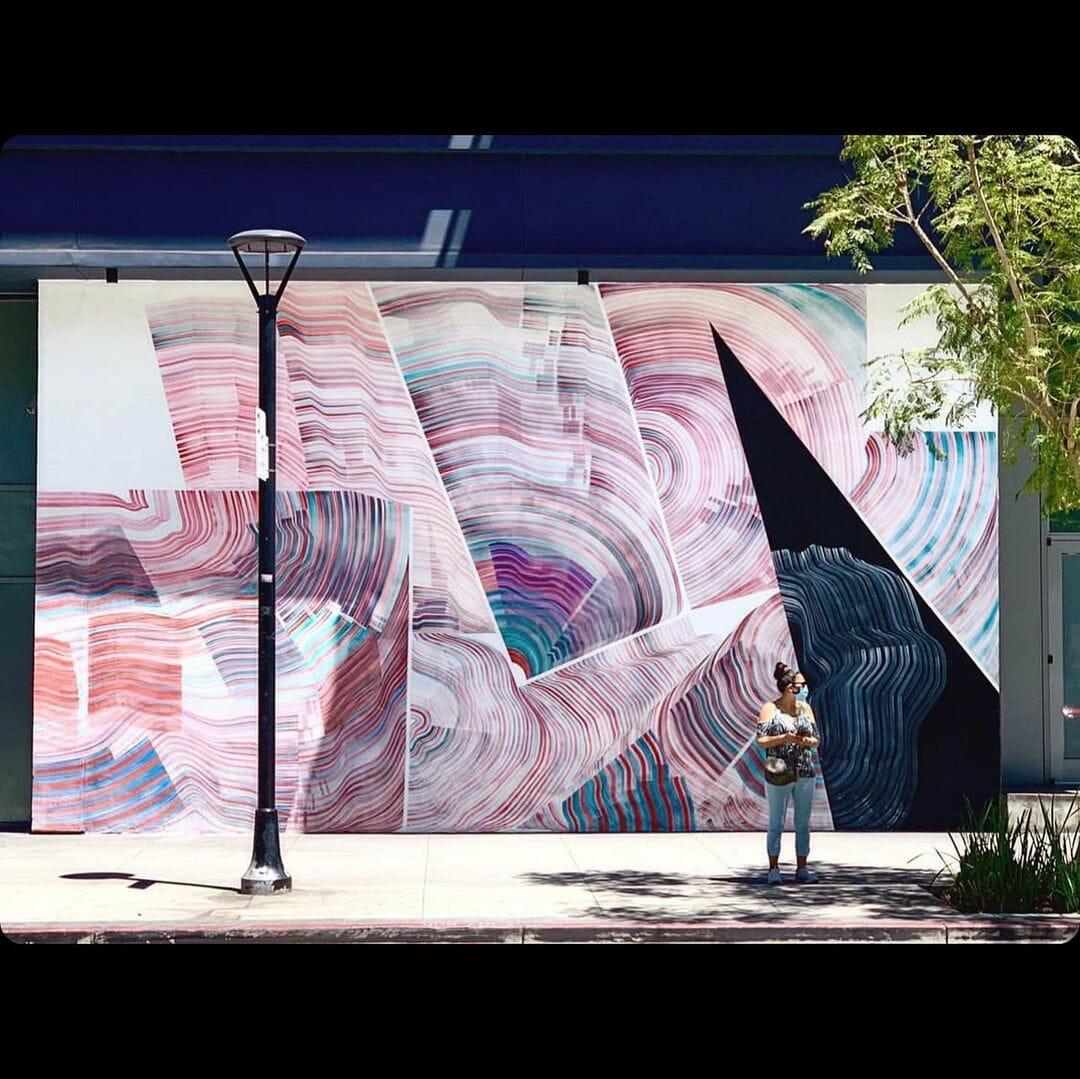 Une peinture murale géante réalisé par l'artiste 2501