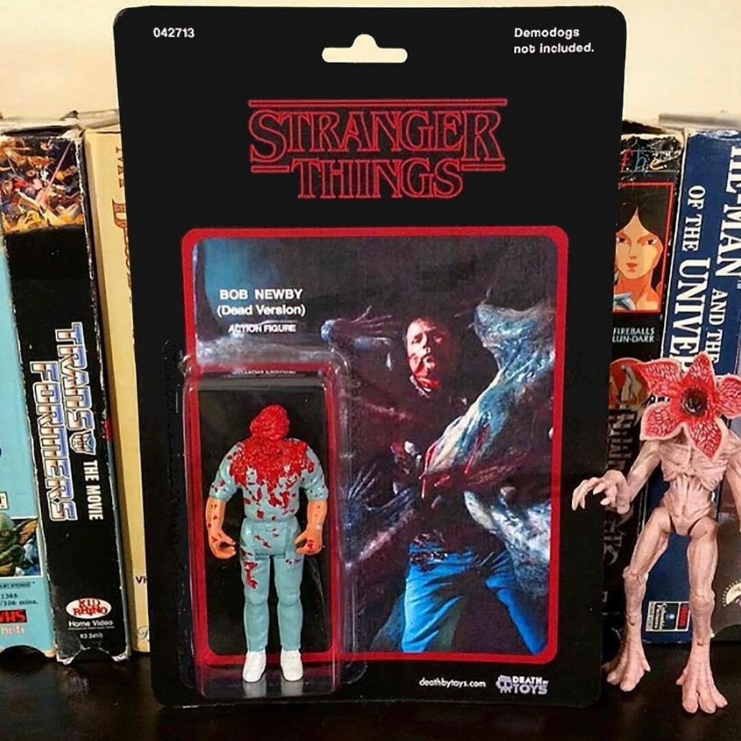 """Figurine de Bob Newby, personnage de la série Stranger Things, après avoir été dévoré par les monstres (""""démodogs"""")"""