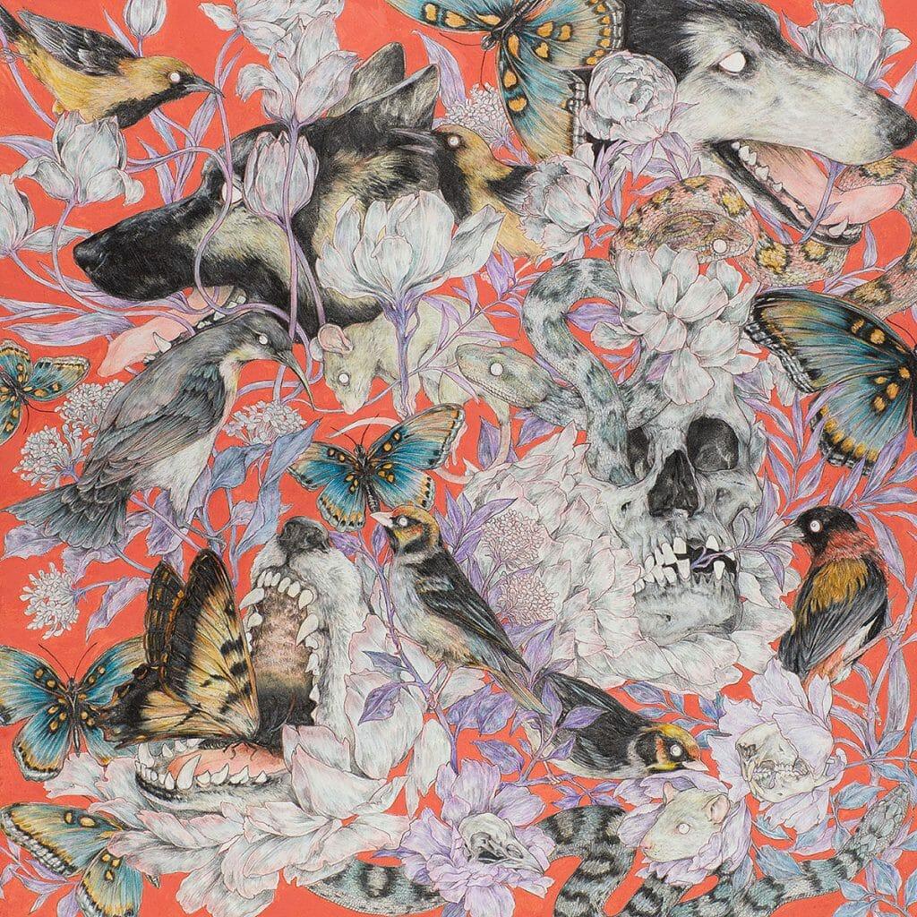 Fond rouges et plantes violacées, têtes de mort, de loups. Oiseaux et papillons.