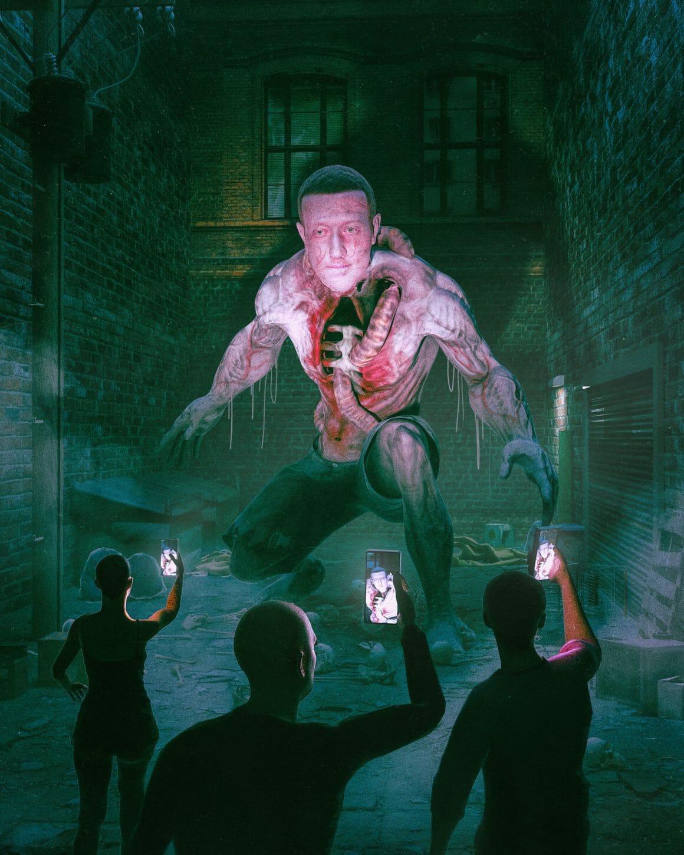 oeuvre de beeple Mark Zuckerberg en monstre qui se fait filmer par des passants