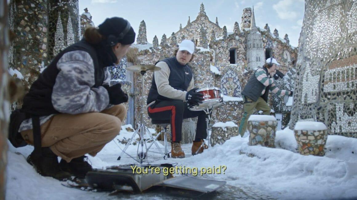 """Le clip de Let You Speak présente un village enneigé. Myd enregistre des sons au loin, pendant que les deux autres personnages se préparent, assis dans le froid. L'un demande à l'autre """"T'es payé toi ?"""""""
