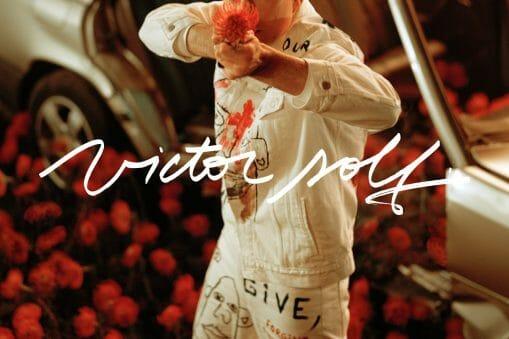 """Victor Solf se dévoile dans """"Still. There's Hope"""", son premier album solo 2"""