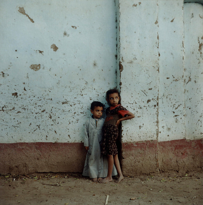 Photographie de deux enfants égyptiens.